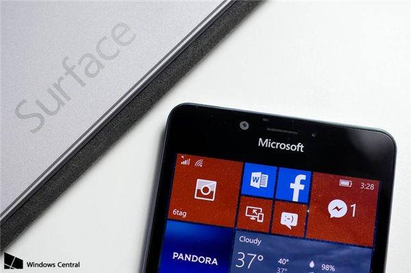 Surface Phone,2017年4月发布