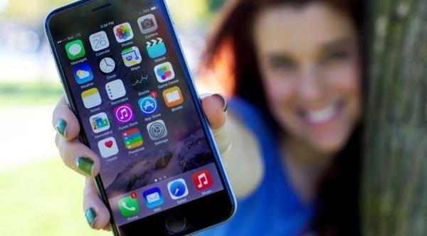 走下神坛的苹果手机正在被自己的骄傲杀死