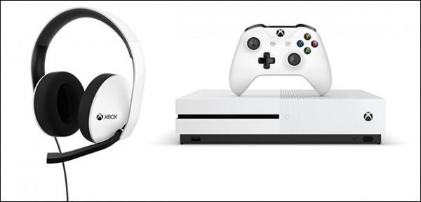 微软新款白色Xbox One手柄及特别版耳机